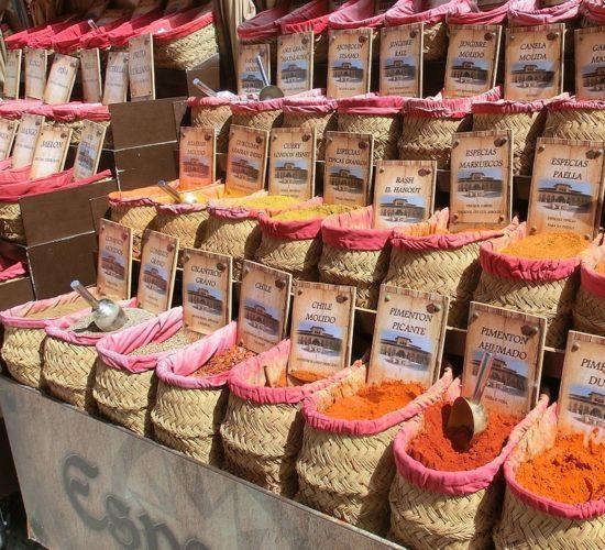 Especias en mercado de Granada